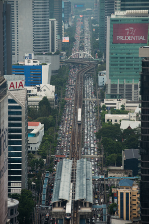 BANGKOK, MAY 24, 2017: Traffic jam in the evening on Sathorn road in Bangkok. Редакционное