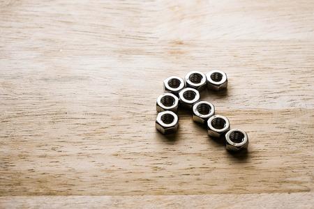 congruity: knot screw aligned as a arrow symbol