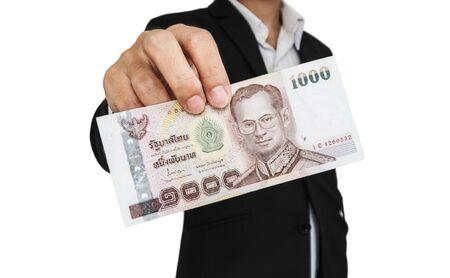 show bill: El hombre de negocios que muestra en efectivo, para dar propinas, etc, aislado en fondo blanco