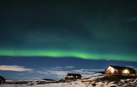 コテージ住宅における冬期のオーロラ