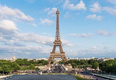 Wieża Eiffla, słynny punkt orientacyjny i cel podróży we Francji, Paryż Zdjęcie Seryjne