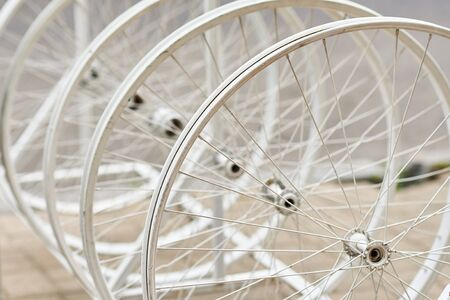 Bicycle wheels with spokes in perspective as decor Banque d'images