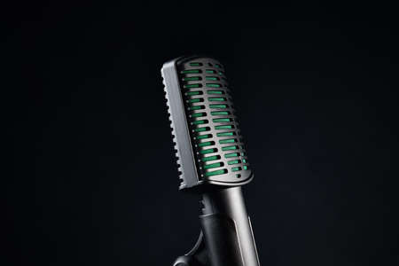 Close up studio microphone on black background Zdjęcie Seryjne