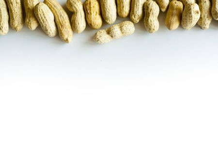 tabulate: Space and Peanut