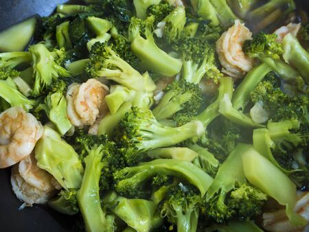 vegetable cook: Broccoli and Shrimp