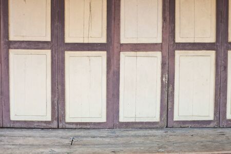 Grunge wood door Stock Photo - 16212342