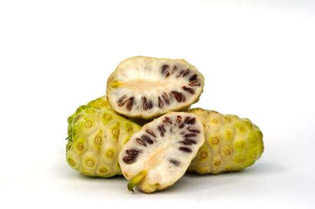 Morinda- citrifolia
