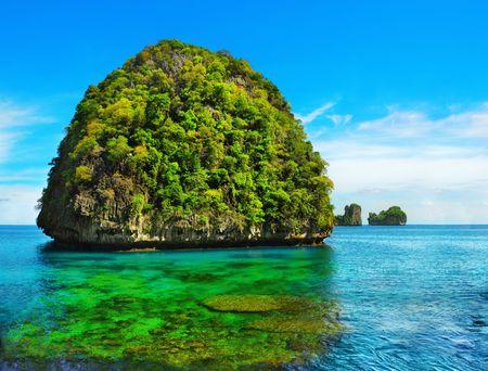 phi phi island: View of Maya Bay, Phi Phi island, Thailand