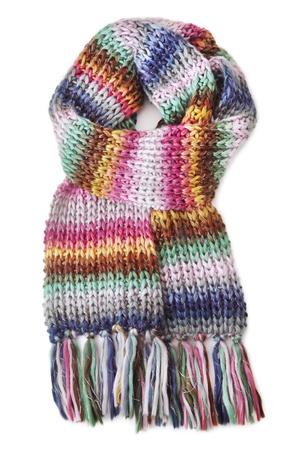 Bufanda de lana en el fondo blanco