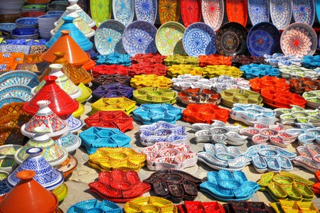 souk: Earthenware in the market, Tunisia Stock Photo