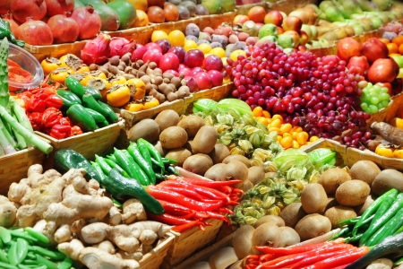 campesino: Las frutas y verduras en un mercado de agricultores Foto de archivo