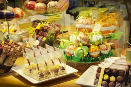 snoepjes: Assorted chocolade snoepjes in een winkel