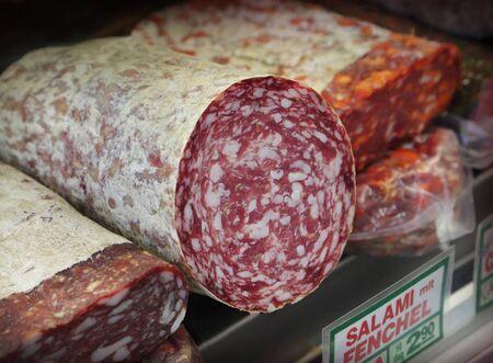 carnes: Embutidos italianos en el mercado