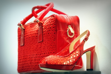 Red shoe and clutch bag Stockfoto