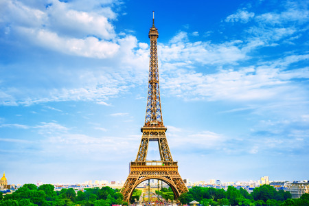 romantic travel: The Eiffel Tower in Paris Stock Photo