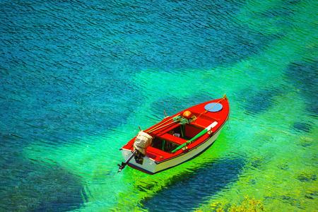 pesca: Barco de pesca en la isla de Cefalonia, Grecia