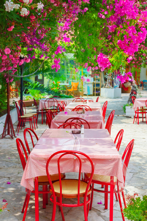 settings: Street cafe