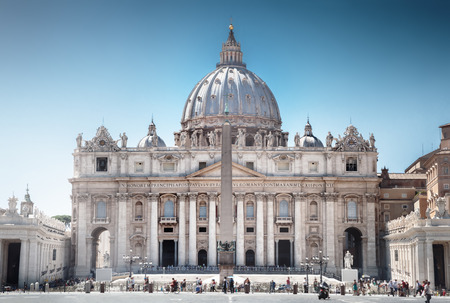 pietro: St. Peters Basilica, Vatican City, Rome Stock Photo