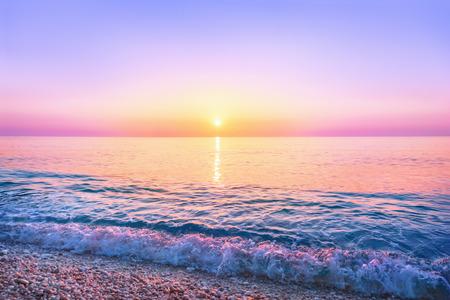 horizonte: Puesta de sol de mar