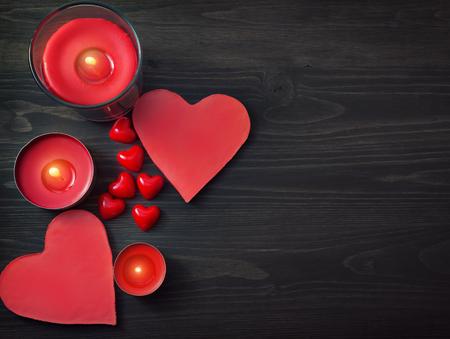 bougie coeur: Coeurs et bougies Banque d'images