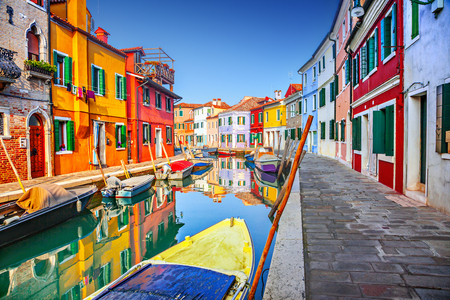 Colorful houses in Burano, Venice, Italy Standard-Bild