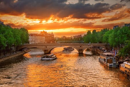 Sunset view of Paris bridge.