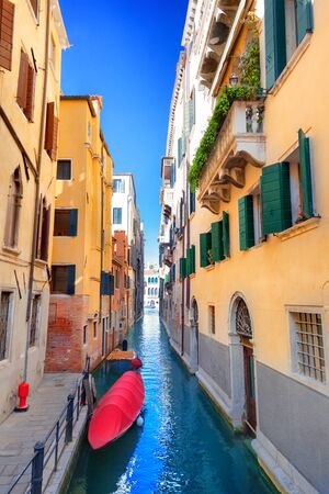 Venice canal and buildings, Italy Standard-Bild