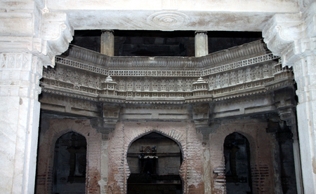 monument in india: Ruins of well carved architecture monument called Adalaj step-well in the Gujarat State of India
