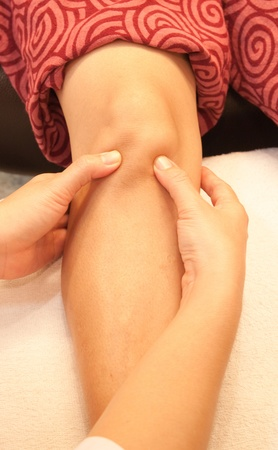 reflexology knee massage, spa knee treatment,Thailand