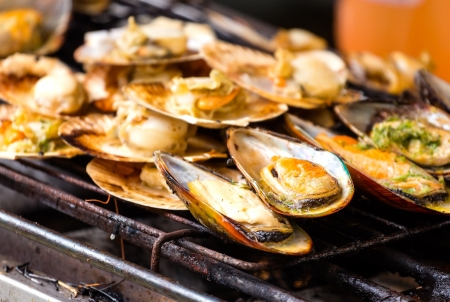 Grilled mussels on the grate