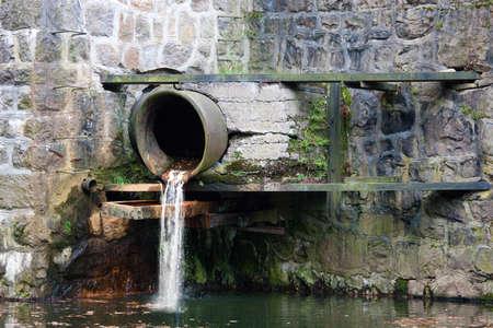 wastes: Sewage pipe