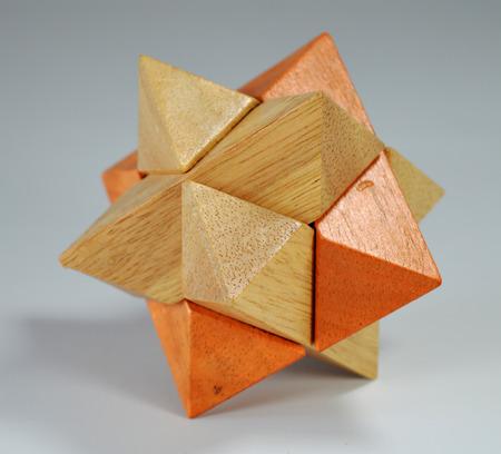 logica: Juguetes lógicos de madera Foto de archivo