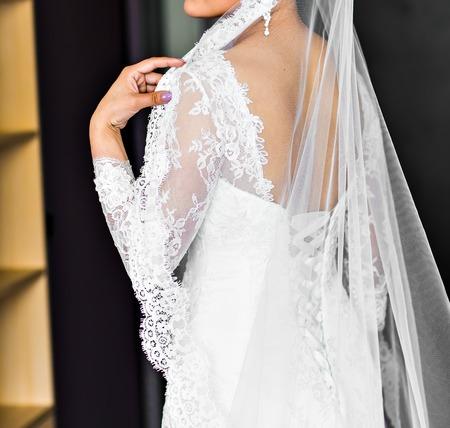 Hermoso vestido de novia blanco, vestido de novia, traje de boda Foto de archivo