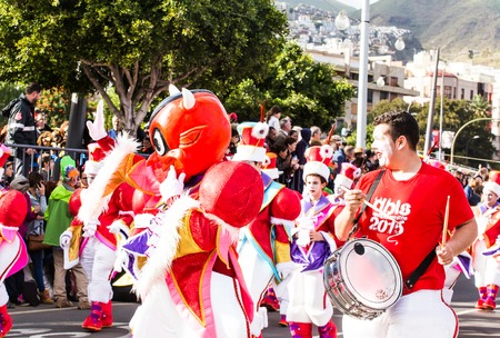 santa cruz de tenerife: TENERIFE, SPAIN -  MAR 4: In the famous Carnival the Santa Cruz de Tenerife, characters and groups to the rhythm of percussion. March 4, 2014, Tenerife, Canary Islands, Spain