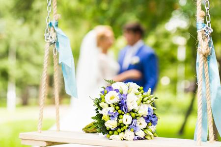 結婚式の花束のクローズ アップ。ウェディング、ブライダルの新鮮な花束 写真素材