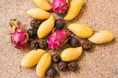 Close up de fruits exotiques. Concept d'une alimentation saine