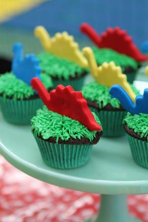 birthday party kids: Kids Birthday Party Dinosaur Cupcakes