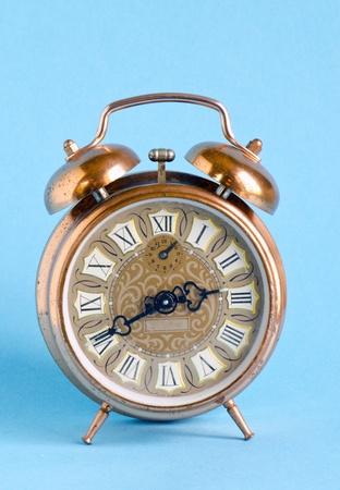 R�tro horloge vintage avec chiffres romains sur fond antique objet bleu vieux Banque d'images - 13634233