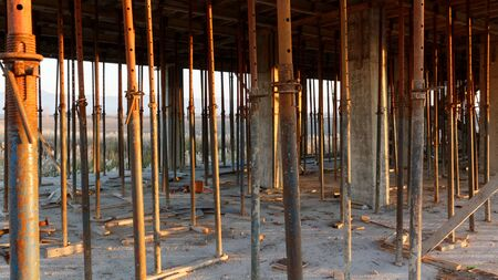 concrete: poles for concrete mold