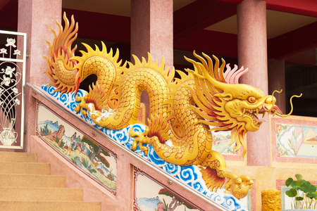 tabernacle: Dragon  is art Chinese to decorate shrine in Thailand.