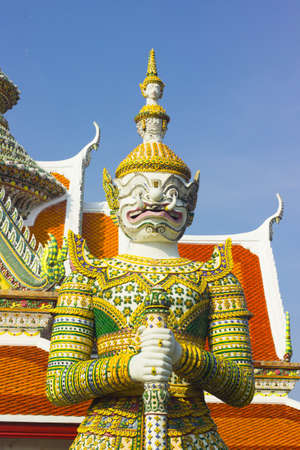 wat arun: Giant Wat Arun are architecture and  ancient remains important of Thailand.