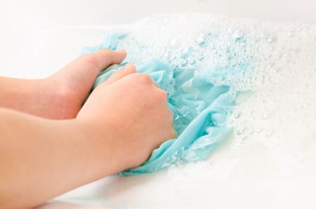 Kleidung, um Hände zu waschen Standard-Bild - 40134311