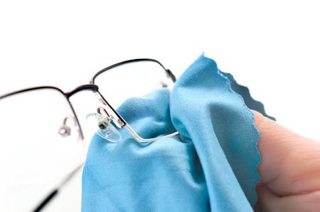 tela blanca: Gafas de Limpieza Foto de archivo