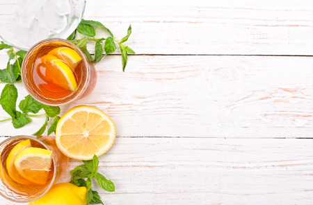 Ice tea with lemon. Banco de Imagens - 44117974