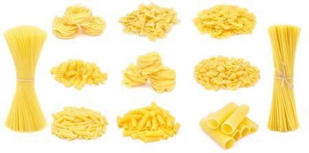 Pasta set. Raw italian food isolated on white background Foto de archivo - 150229022