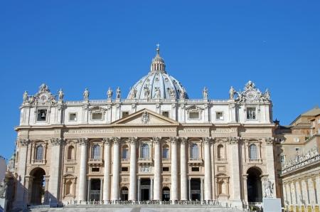 cat�licismo: Bas�lica de San Pedro, s�mbolo del catolicismo, el Vaticano