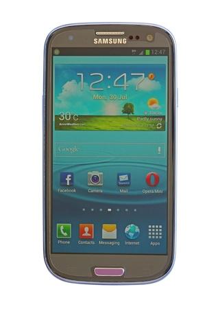Samsung Galaxy SIII aver white background Stock Photo - 14681590