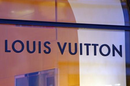 vuitton: ROME, ITALY - MARCH 08  Louis Vuitton shop on Via del Condotti in Rome on March 08, 2011 in Rome, Italy
