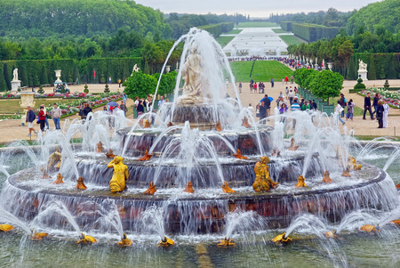 garden fountain: PARIS, FRANCE - AUGUST 02  Tourists visiting Versailles Palace, Gardens of Versailles on August 02, 2008 in Paris, France