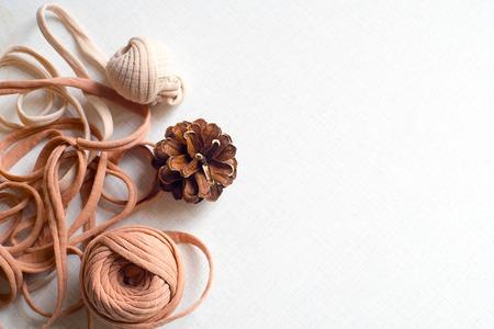 Balls of wool and cone 版權商用圖片